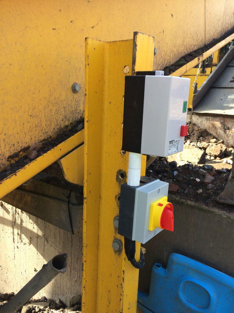 Conveyor isolator and dol starter